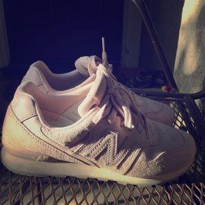 Like New Women's New Balance Running Shoes